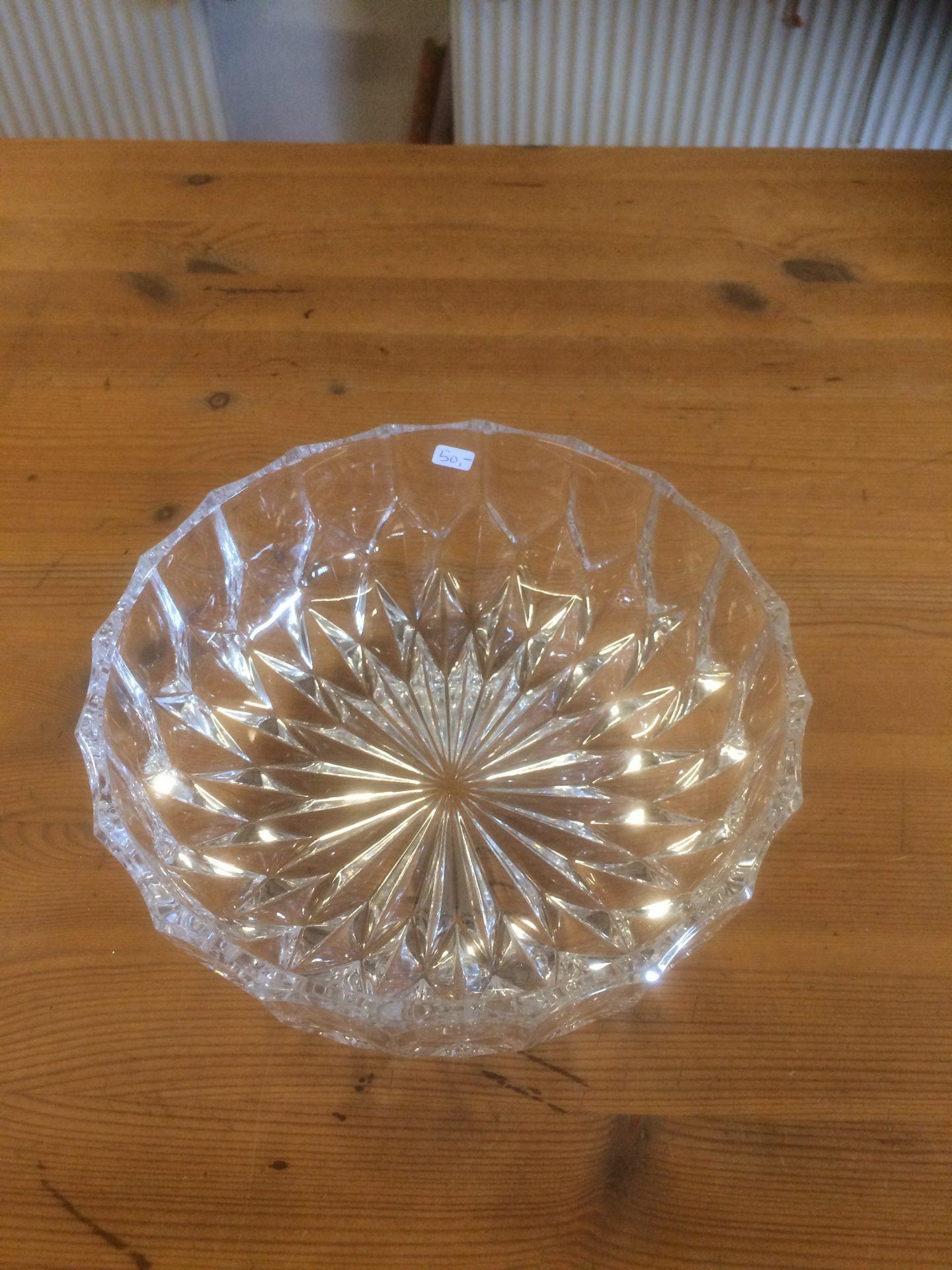23/30 Krystal skål størrelse 150-70mm pris 50kr