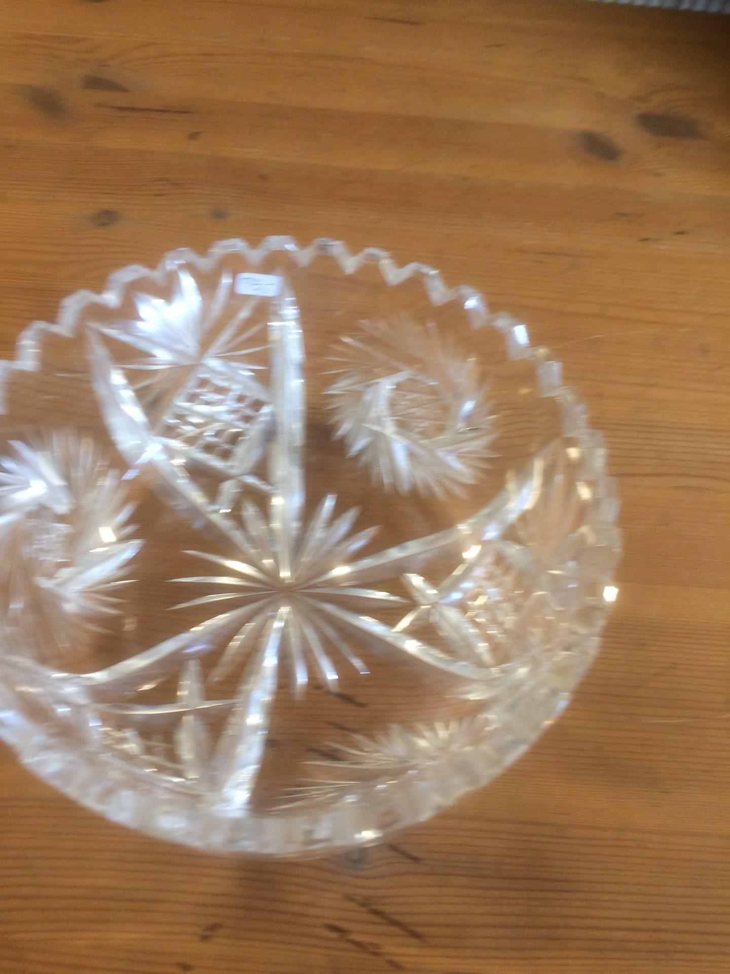 18/30 Krystal skål størrelse 190-90mm pris 75kr