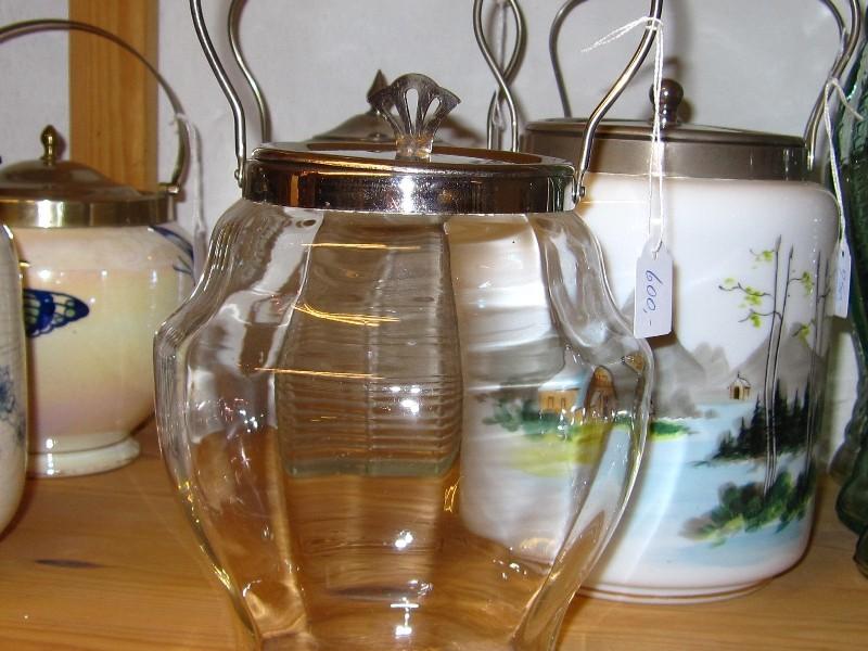 26/30 Kiksspand glat glas pris 600kr.